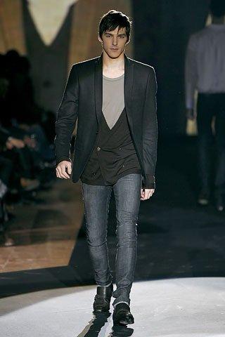Calça jeans masculina  combinações e modelos - Beleza Masculina b27a4884232