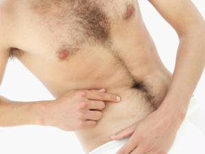 Depilação masculina barriga